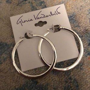 Gloria Vanderbilt silver hoops earring